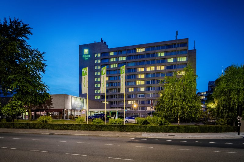 Holiday Inn Eindhoven-Our city center hotel by night<br/>Image from Leonardo