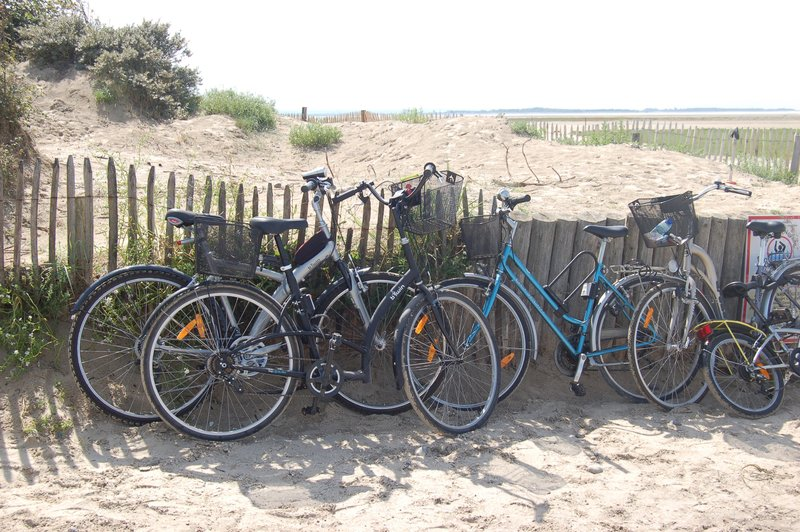 Mercure Amiens Cathedrale Hotel-Cycling nearby the Sea<br/>Image from Leonardo
