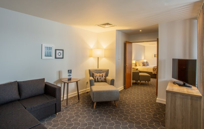 Holiday Inn Ellesmere Port/ Cheshire Oaks-Lounge area of Penthouse Suite<br/>Image from Leonardo