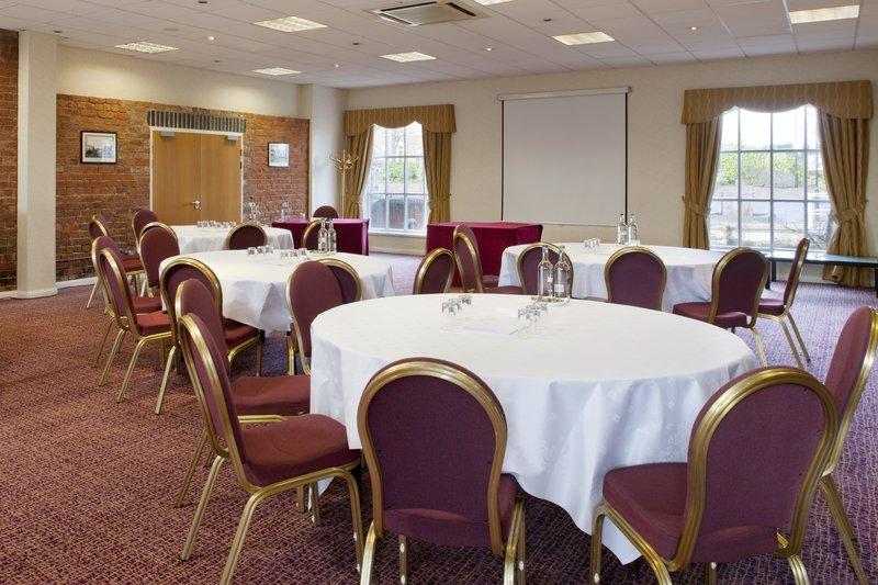 Holiday Inn Ellesmere Port/ Cheshire Oaks-Conference Room<br/>Image from Leonardo