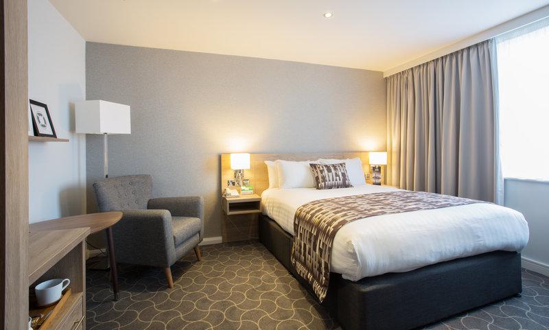 Holiday Inn Ellesmere Port/ Cheshire Oaks-One double bed<br/>Image from Leonardo