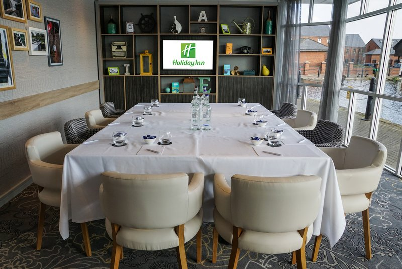 Holiday Inn Ellesmere Port/ Cheshire Oaks-Board room in the Conservatroy<br/>Image from Leonardo