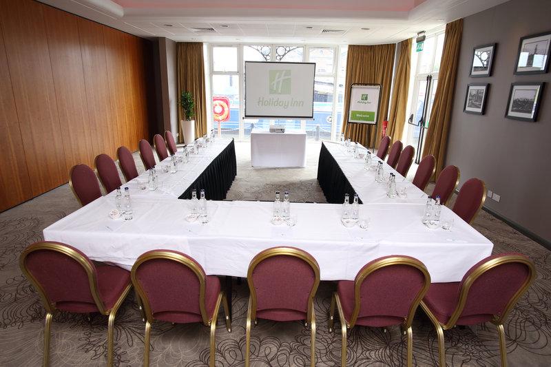 Holiday Inn Ellesmere Port/ Cheshire Oaks-Mercer Suite 2<br/>Image from Leonardo