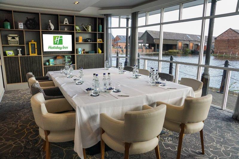 Holiday Inn Ellesmere Port/ Cheshire Oaks-Conservatory<br/>Image from Leonardo
