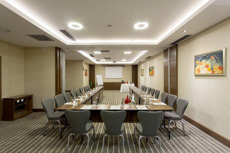 Holiday Inn Ankara-Kavaklidere-Meeting Room<br/>Image from Leonardo
