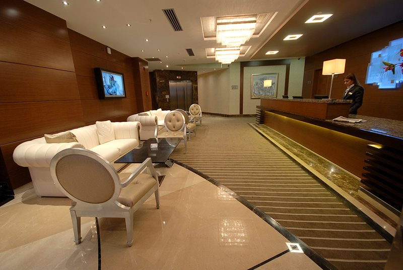 Holiday Inn Ankara-Kavaklidere-Hotel Lobby<br/>Image from Leonardo