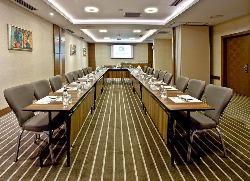 Holiday Inn Ankara-Kavaklidere-Queen Boardroom<br/>Image from Leonardo