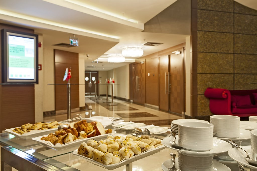 Holiday Inn Ankara-Kavaklidere-Pre-function Area<br/>Image from Leonardo