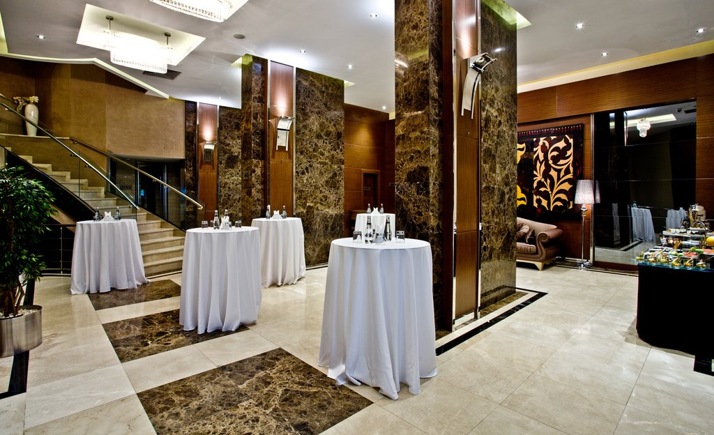 Holiday Inn Ankara-Kavaklidere-Reception Area<br/>Image from Leonardo