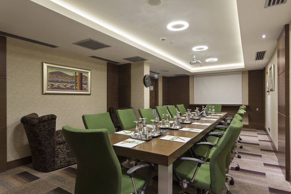 Holiday Inn Ankara-Kavaklidere-Meeting Room<br/>Image from Leonardo