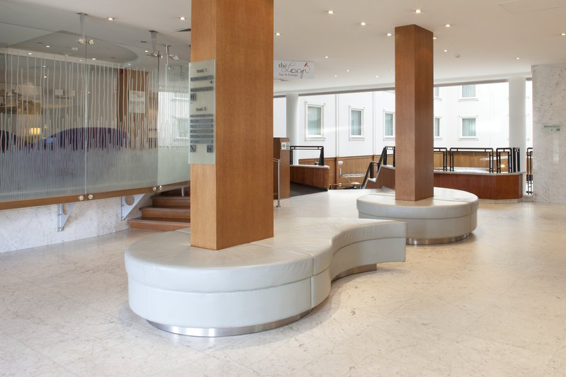 Holiday Inn Gent - Expo-Hotel lobby with free internet access<br/>Image from Leonardo