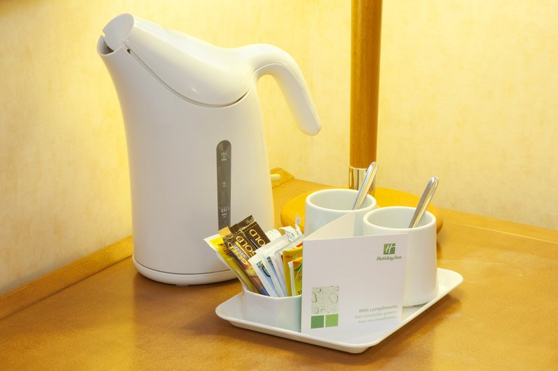 Holiday Inn Gent - Expo-Tea and coffee making facilities for you to use in every room<br/>Image from Leonardo