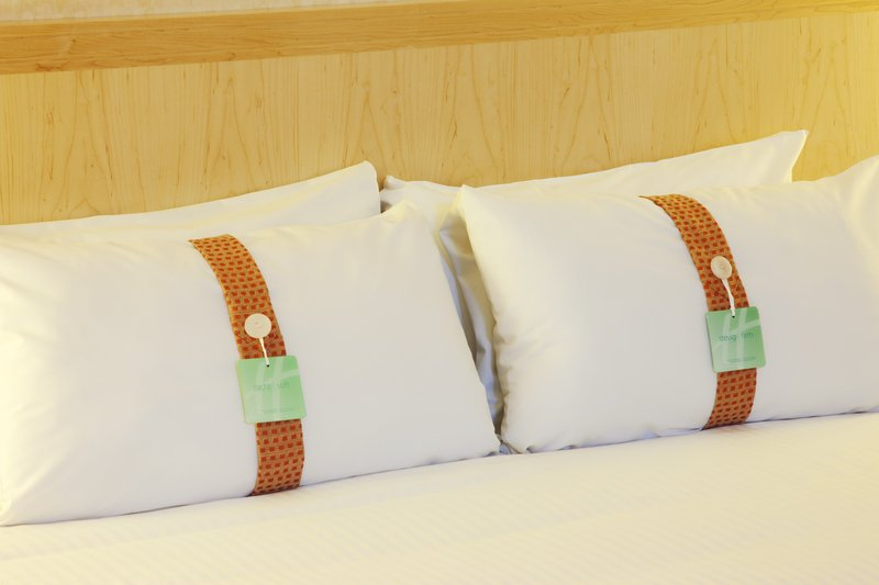 Holiday Inn Gent - Expo-Choose your favourite pillow from our pillow menu in every room<br/>Image from Leonardo