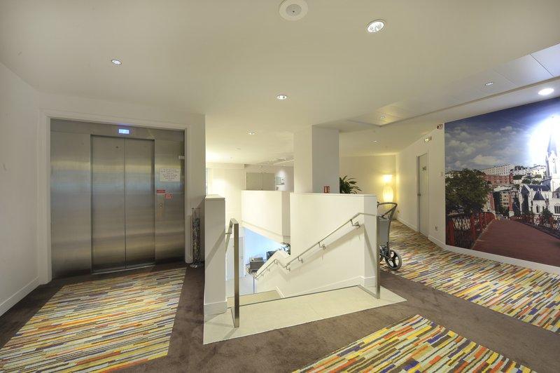 Holiday Inn Lyon Vaise-Elevator Lobby from underground car park<br/>Image from Leonardo