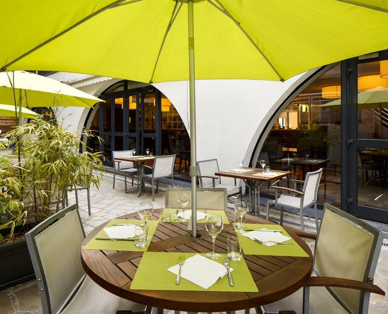 Holiday Inn Lyon Vaise-Enjoy the summer breeze on our spacious Terrace<br/>Image from Leonardo