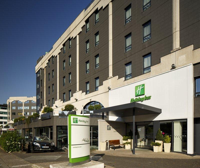 Holiday Inn Lyon Vaise-Hotel Exterior at daytime<br/>Image from Leonardo