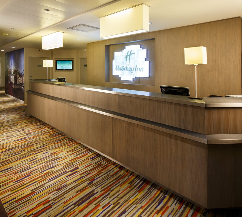 Holiday Inn Lyon Vaise-Check in at our welcoming Reception Desk<br/>Image from Leonardo