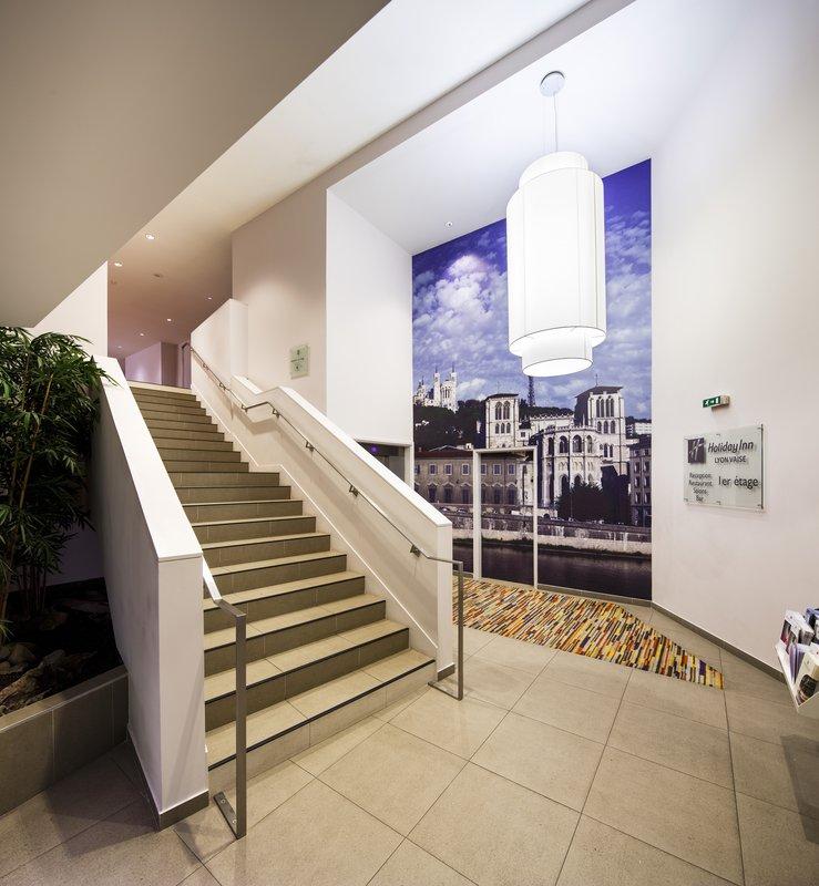 Holiday Inn Lyon Vaise-Kick back in our luxurious Lobby<br/>Image from Leonardo