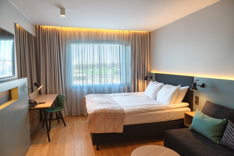 Holiday Inn Helsinki - Exhibition & Convention Centre-Holiday Inn Helsinki - Expo Standard room with sofa bed<br/>Image from Leonardo