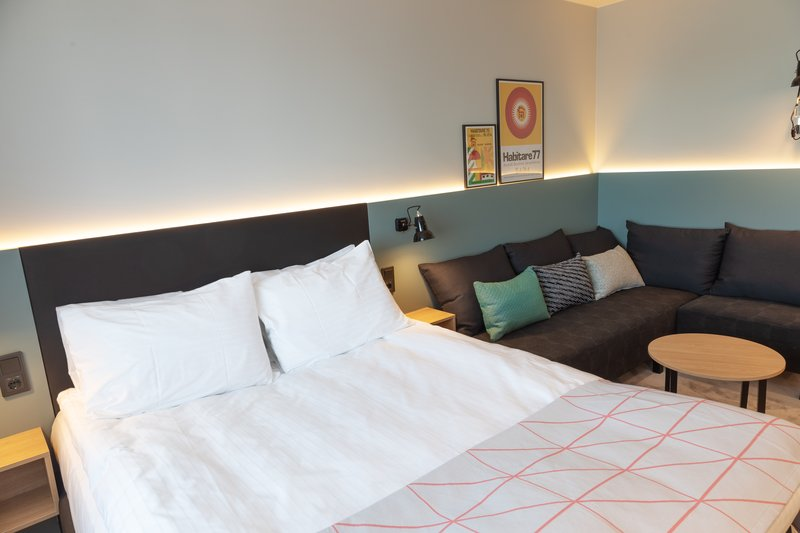 Holiday Inn Helsinki - Exhibition & Convention Centre-Standard Queen bed room with sofa bed<br/>Image from Leonardo