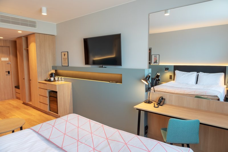 Holiday Inn Helsinki - Exhibition & Convention Centre-Surf with complimentary WiFi and sleep well in your Standard room<br/>Image from Leonardo