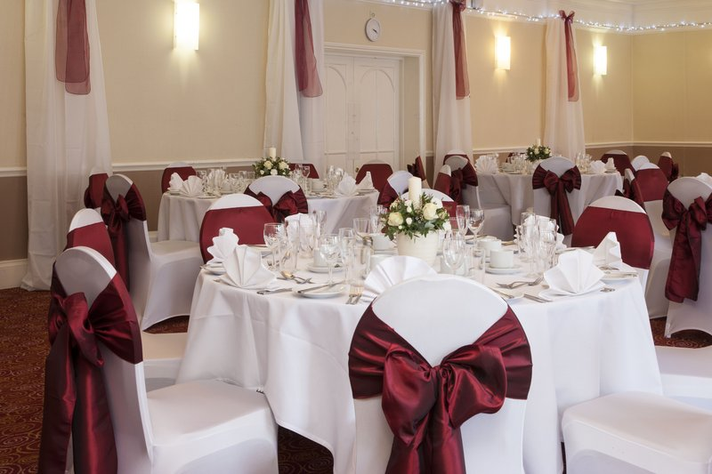 Holiday Inn Ipswich - Orwell-Wedding in the Gippswick Suite<br/>Image from Leonardo