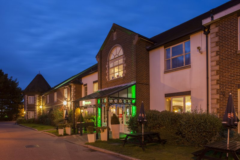 Holiday Inn Ipswich - Orwell-Entrance at Night<br/>Image from Leonardo