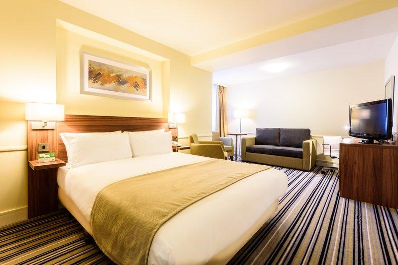 Holiday Inn Portsmouth-Standard family<br/>Image from Leonardo