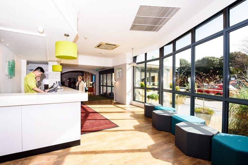 Holiday Inn Portsmouth-Front Desk<br/>Image from Leonardo