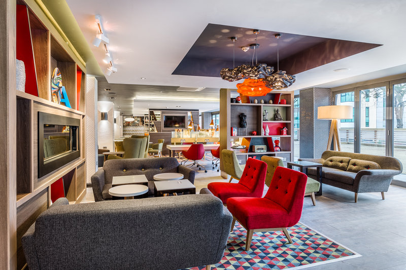 Holiday Inn London - Watford Junction-Hotel Lobby<br/>Image from Leonardo