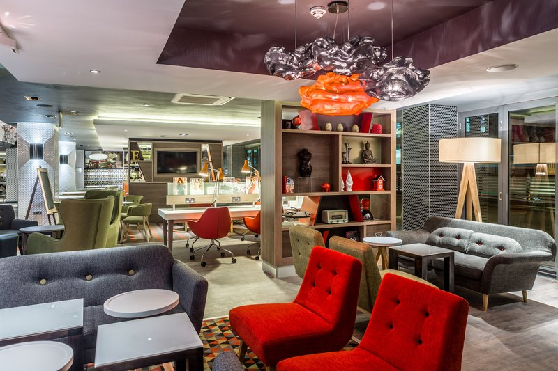 Holiday Inn London - Watford Junction-Cosy corners in our Open Lobby<br/>Image from Leonardo