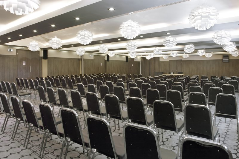 Holiday Inn London - Kingston South-Space, air conditioning and WIFI available<br/>Image from Leonardo