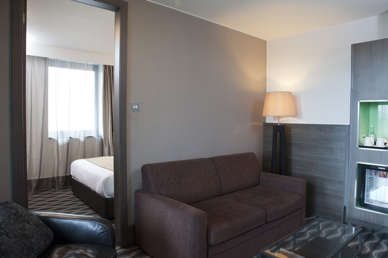 Holiday Inn London - Kingston South-Guest Room<br/>Image from Leonardo