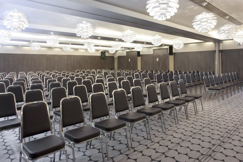 Holiday Inn London - Kingston South-Choose your meeting style to fit your need<br/>Image from Leonardo
