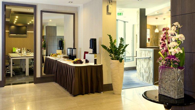 Holiday Inn London - Kingston South-Break-out Area<br/>Image from Leonardo