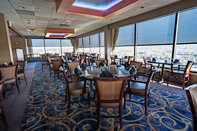 Crowne Plaza Dayton-Nothing is better than good food with a beautiful view of the city<br/>Image from Leonardo