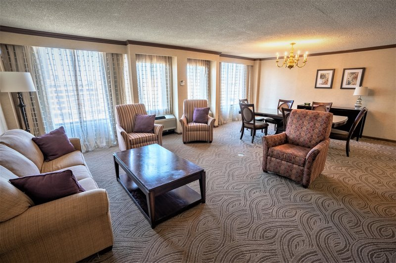 Crowne Plaza Dayton-Our spacious suites are perfect for bridal parties! <br/>Image from Leonardo
