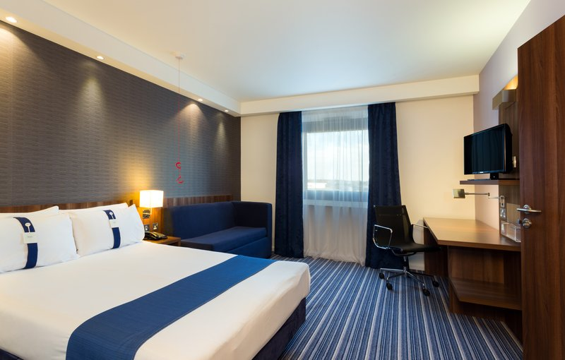 Holiday Inn Express Harlow-Efficient One Bed Nonsmoking ADA/Accessible Room<br/>Image from Leonardo