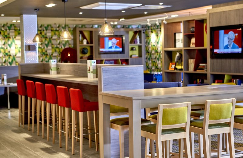 Holiday Inn Northampton West M1, Jct 16-Our flexible space can be used for all aspects of your day<br/>Image from Leonardo