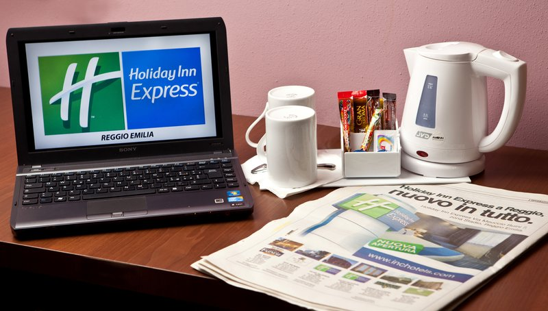 Holiday Inn Express Reggio Emilia-Coffee maker<br/>Image from Leonardo