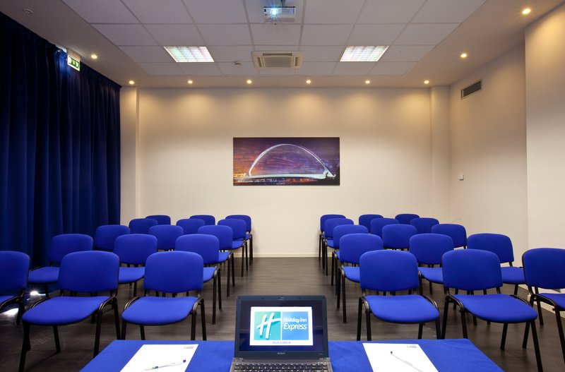 Holiday Inn Express Reggio Emilia-Calatrava meeting room theatre setup<br/>Image from Leonardo