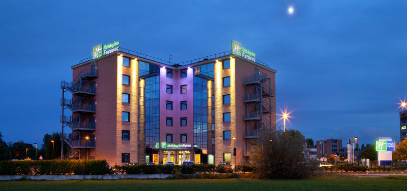 Holiday Inn Express Reggio Emilia-Night view<br/>Image from Leonardo