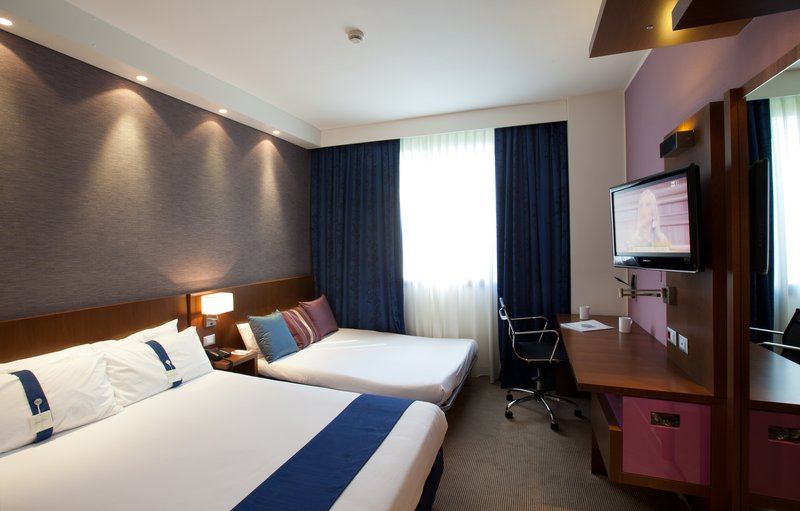 Holiday Inn Express Reggio Emilia-Family room<br/>Image from Leonardo