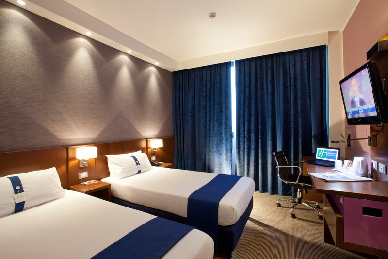 Holiday Inn Express Reggio Emilia-Twin-bedded room<br/>Image from Leonardo