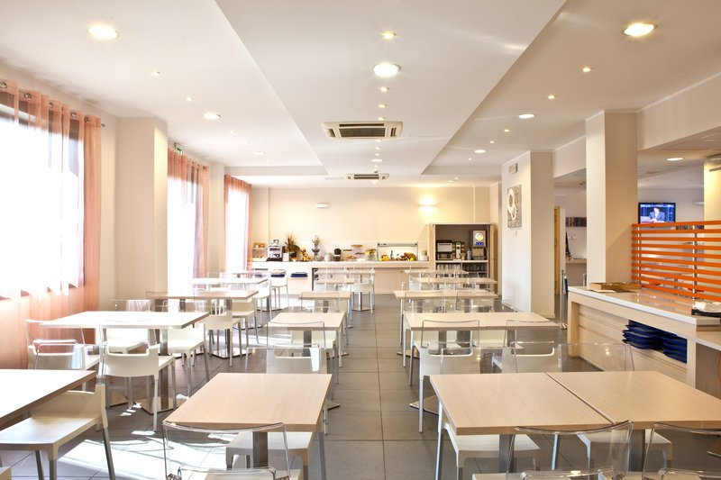 Holiday Inn Express Reggio Emilia-Restaurant<br/>Image from Leonardo