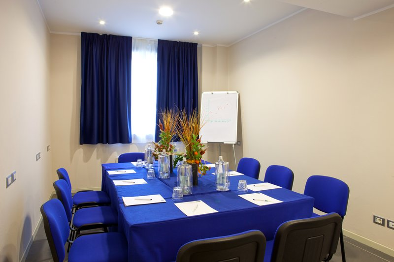 Holiday Inn Express Reggio Emilia-Tricolore meeting room<br/>Image from Leonardo