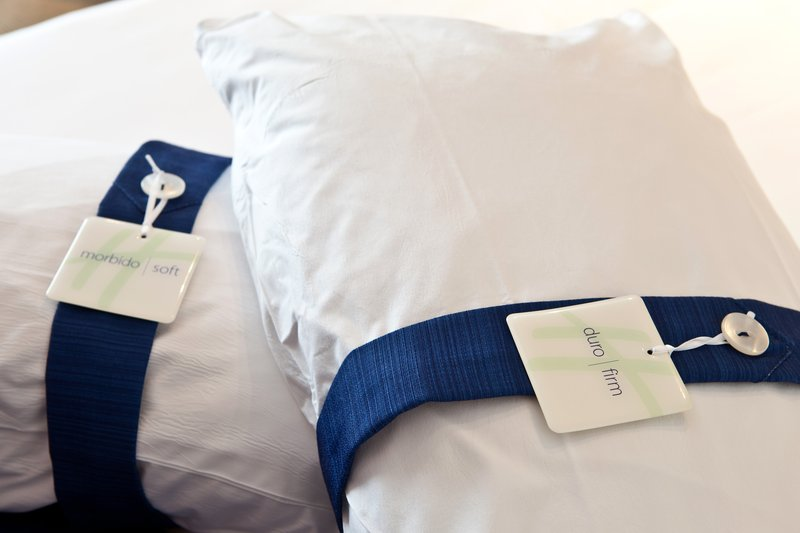 Holiday Inn Express Reggio Emilia-Pillow choice<br/>Image from Leonardo