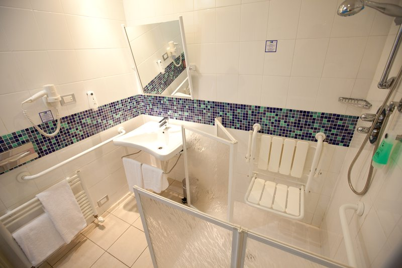 Holiday Inn Express Reggio Emilia-Accessible bathroom for disabled guests<br/>Image from Leonardo