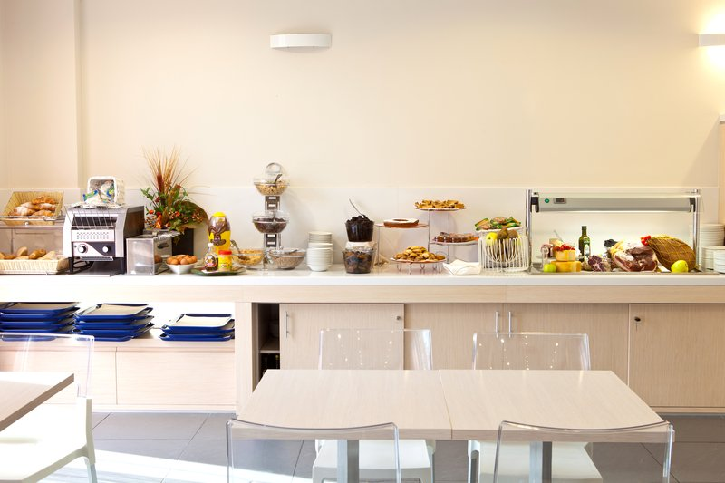 Holiday Inn Express Reggio Emilia-Breakfast buffet<br/>Image from Leonardo