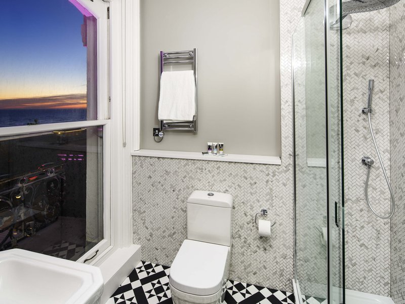 Mercure Brighton Seafront-Guest Room<br/>Image from Leonardo